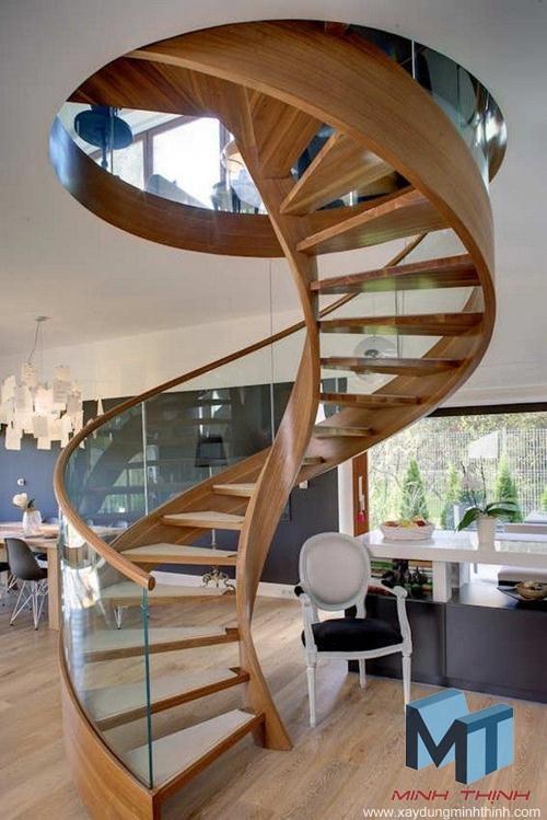 không nên thiết kế cầu thang theo hình xoắn ốc