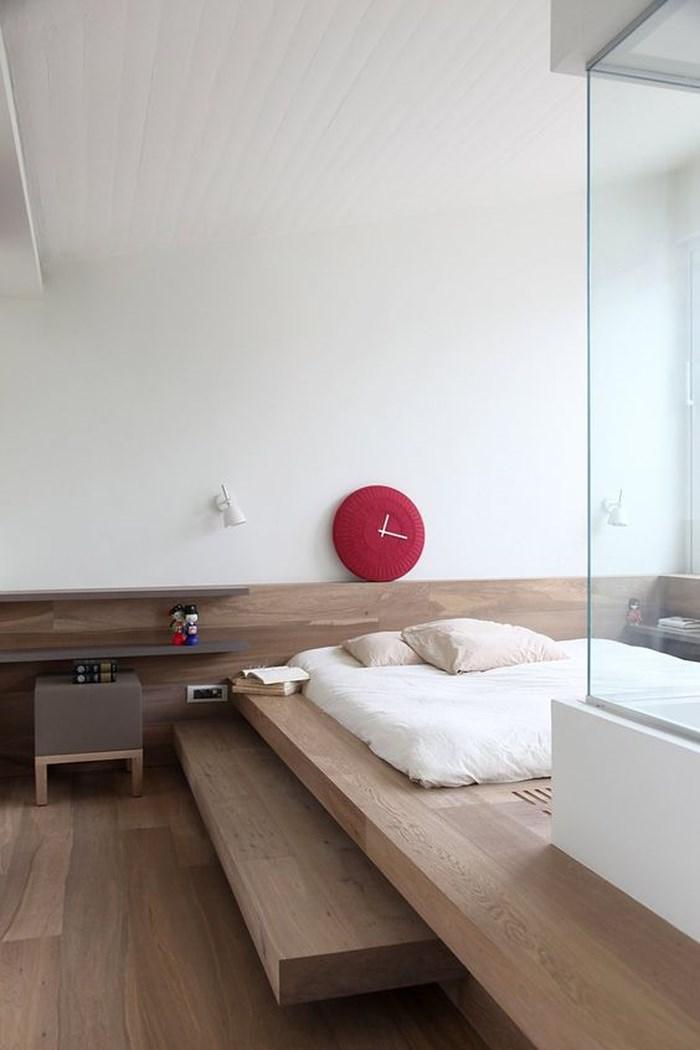 Kiểu giường mang đậm phong cách Nhật Bản và chiếc tủ để đầu giường theo phong cách Scandinavi