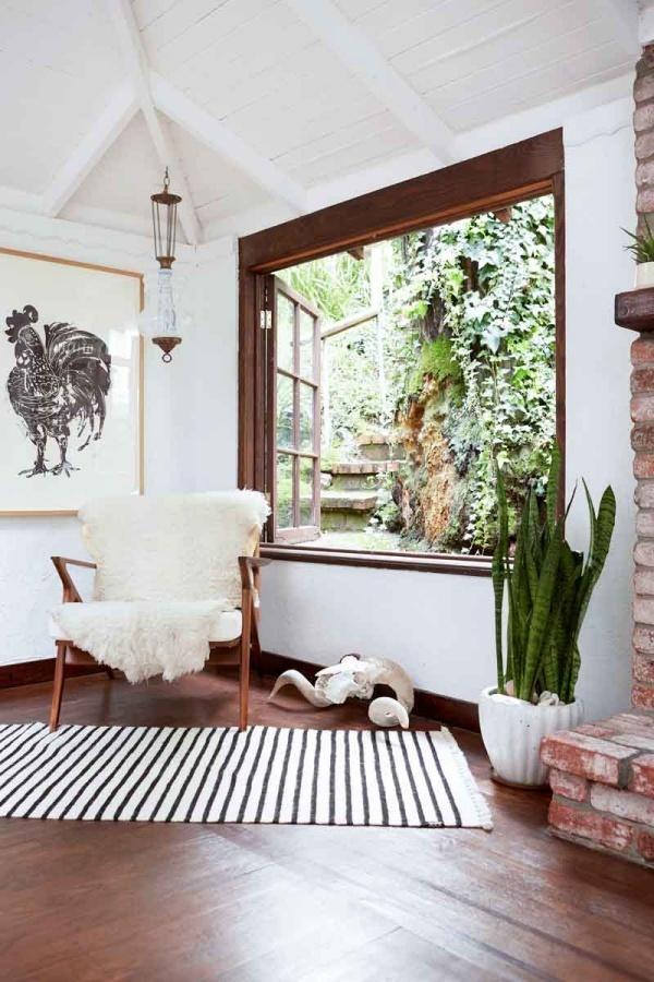 trang trí bức tường tạo điểm nhân cho ngôi nhà