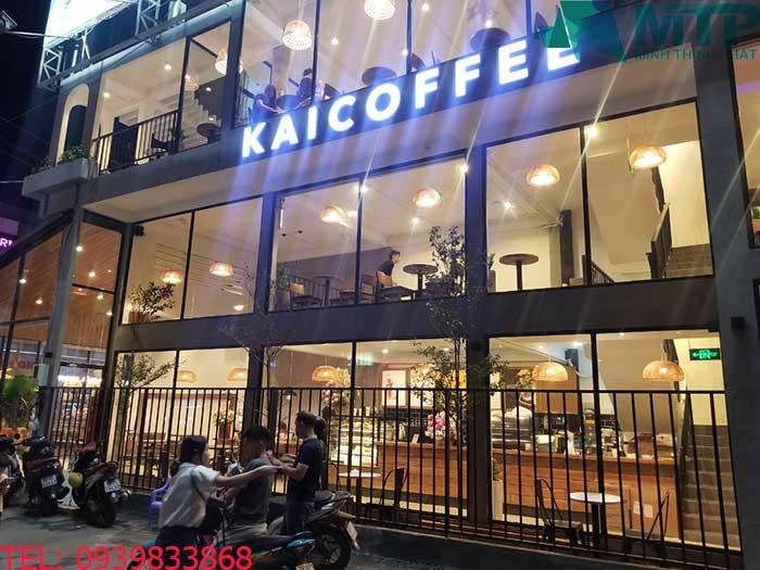 thi cong quan cafe kai